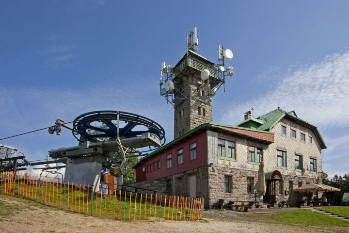 Rozhledna Tanvaldský Špičák | Chalupa Amálka výlety po Jizerských horách