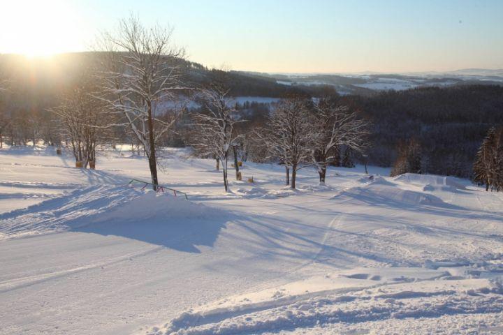 Ski areál U Čápa Příchovice   Rodinné lyžování v Jizerských horách