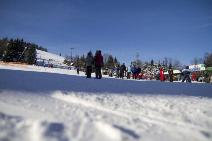 Ski areál Bedřichov nedaleko ubytování Chalupa Amálka
