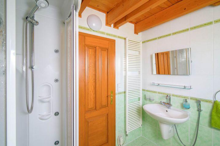 Koupelna na Slovance s masážním sprchovým koutem | Chalupa Amálka | Ubytování JIzerské hory