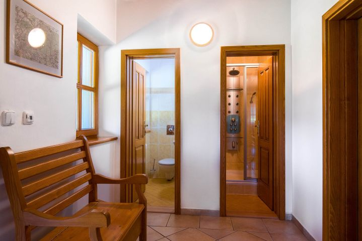 Samostatné WC a masážní sprchový kout | Chalupa Amálka | Ubytování JIzerské hory